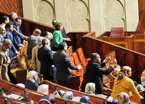 البام يقاطع الأسئلة الشفوية والبيجيدي يهاجم حكومة العثماني