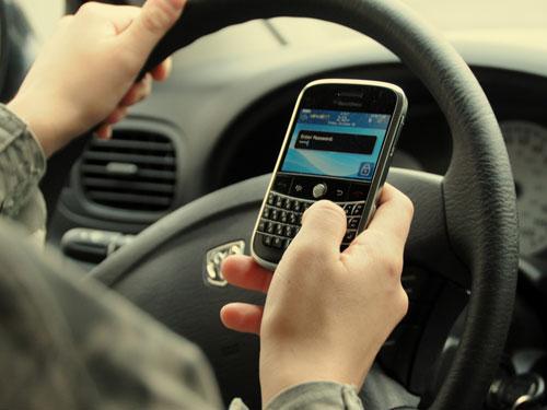 المغاربة تحدثوا 48 مليار دقيقة وبعثوا 20 مليار sms في 2014