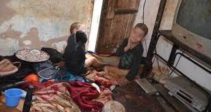 روبورتاج: إيمان وأمين… طفلان اقتاتا على فضلاتهما في غياب الأم وتجاهل الجيران