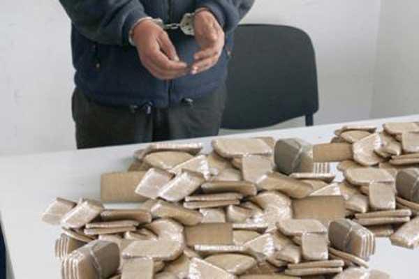 سيدي إفني: حجز كيلوغرام من الشيرا بحوزة مروج مخدرات