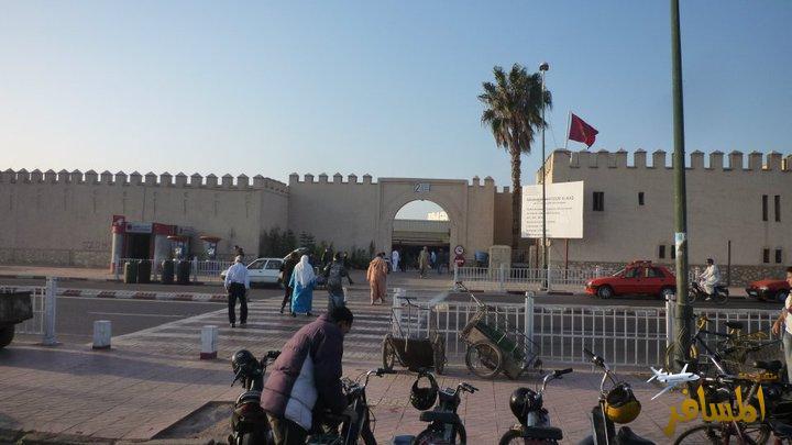 """أكادير: تجار بسوق الأحد يطالبون بالتحقيق في """" لوزيعة""""  التي شملت غير المحصيين"""