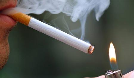 بقتلان صديقهما والسبب تدخين سيجارة والحال رمضان