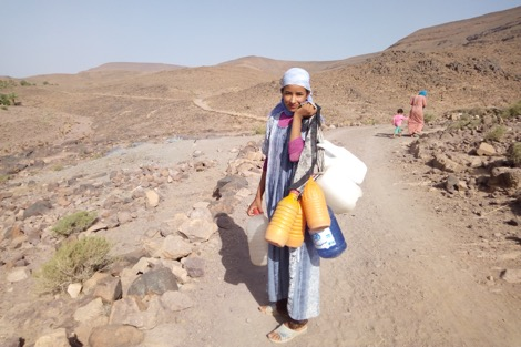 """دواوير """"آيت حمو"""" المنسية تكابد الفقر وراء جبال ورزازات"""